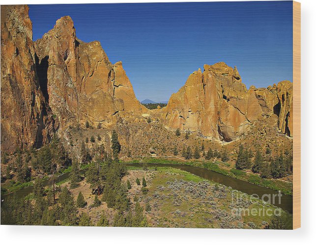 Oregon Wood Print featuring the photograph Crooked River At Smith Rock State Park Oregon by Rich Walter