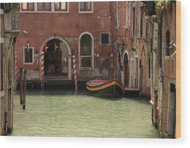 Venice Wood Print featuring the photograph Basin in Venice by Michael Henderson