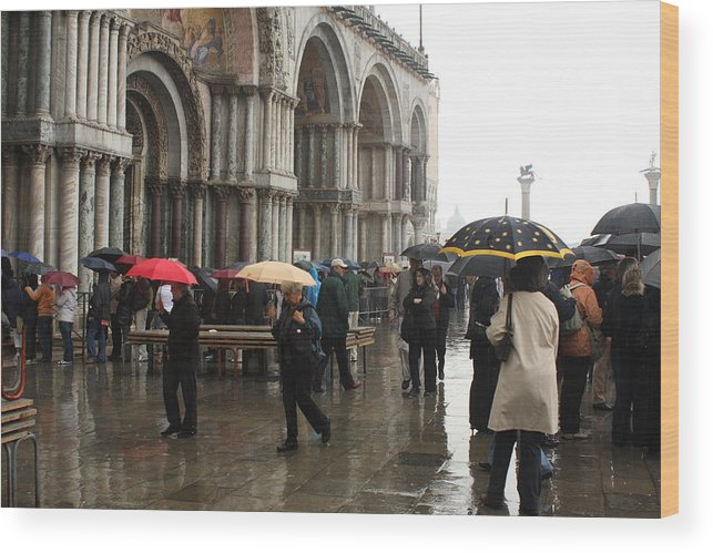 Venice Wood Print featuring the photograph Rainy Day in Venice by Michael Henderson
