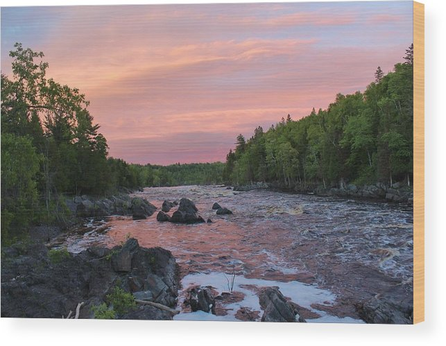 Minnesota Wood Print featuring the photograph Sunset From the Swinging Bridge by Kathrine McDowell