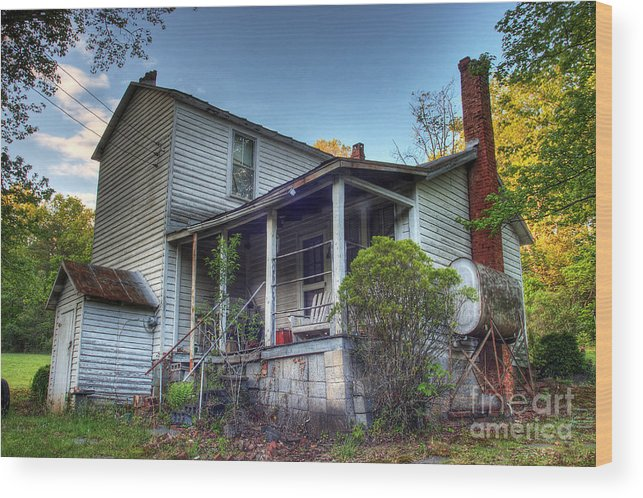 Landscape Wood Print featuring the photograph The Old Home Place by Pete Hellmann