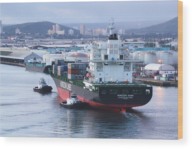 Horizon Hawk Wood Print featuring the photograph Tugs In Action by Richard Henne