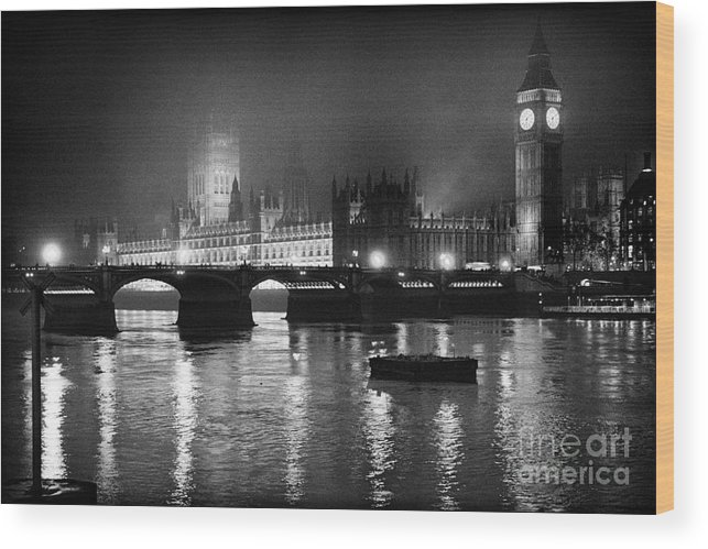 Westminster Palace Wood Print featuring the photograph Westminster Palace at Night by Aldo Cervato