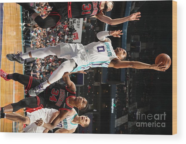 Chicago Bulls Wood Print featuring the photograph Chicago Bulls V Charlotte Hornets by Kent Smith