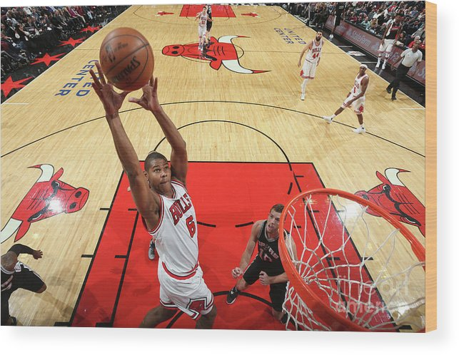 Nba Pro Basketball Wood Print featuring the photograph San Antonio Spurs V Chicago Bulls by Nathaniel S. Butler