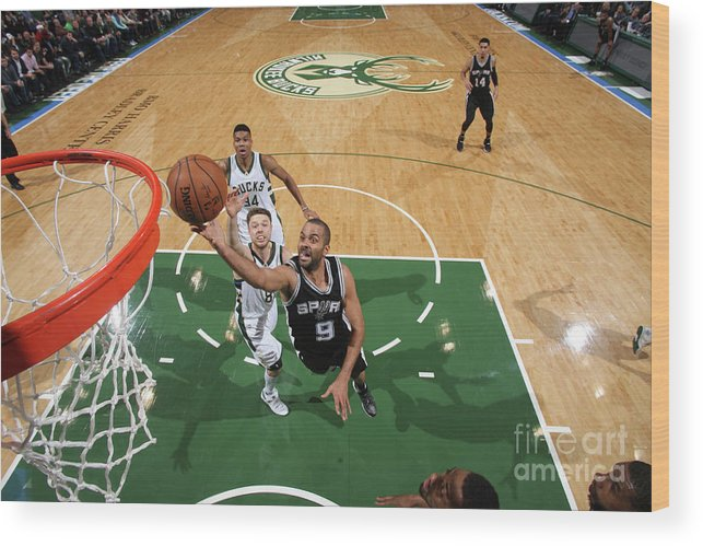 Nba Pro Basketball Wood Print featuring the photograph San Antonio Spurs V Milwaukee Bucks by Gary Dineen