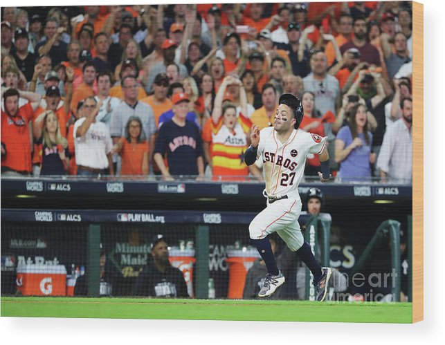 Game Two Wood Print featuring the photograph League Championship Series - New York by Elsa