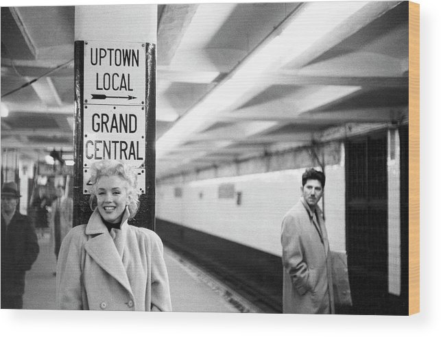 1950-1959 Wood Print featuring the photograph Marilyn In Grand Central Station by Michael Ochs Archives