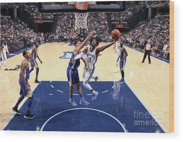 Nba Pro Basketball Wood Print featuring the photograph Golden State Warriors V Memphis by Joe Murphy