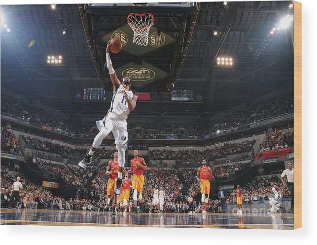 Nba Pro Basketball Wood Print featuring the photograph Memphis Grizzlies V Indiana Pacers by Ron Hoskins