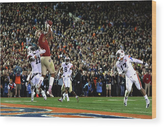 Rose Bowl Stadium Wood Print featuring the photograph Bcs National Championship - Florida by Harry How