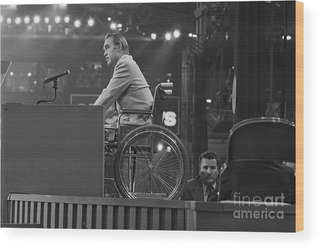 Democracy Wood Print featuring the photograph Governor George Wallace Speaking by Bettmann