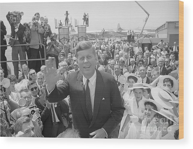 People Wood Print featuring the photograph John F. Kennedy Greeting Crowd by Bettmann