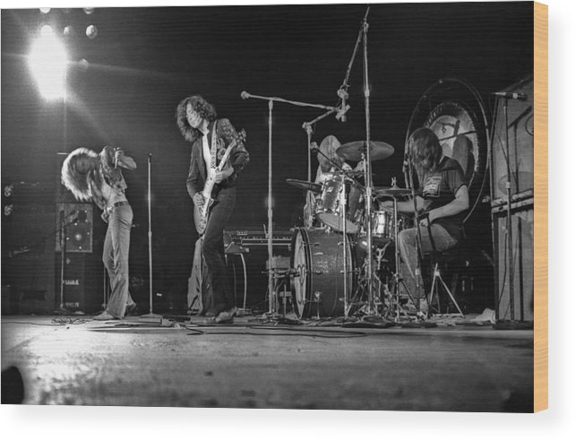 Performance Wood Print featuring the photograph Led Zeppelin At The Forum by Michael Ochs Archives