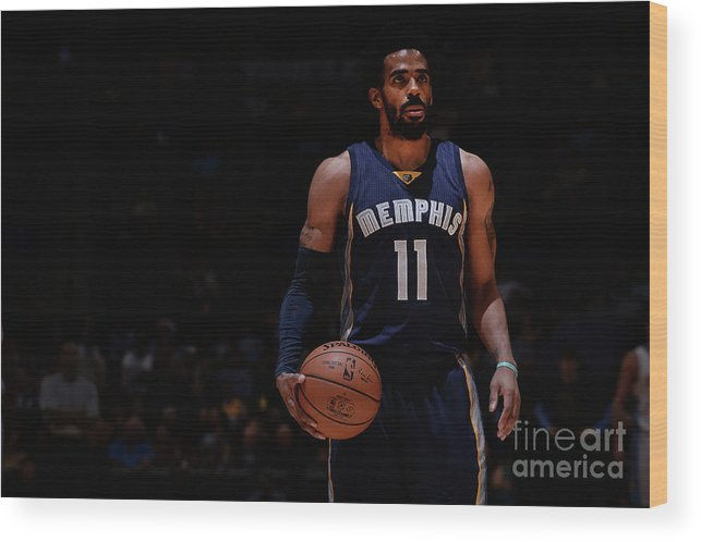 Nba Pro Basketball Wood Print featuring the photograph Memphis Grizzlies V Denver Nuggets by Bart Young