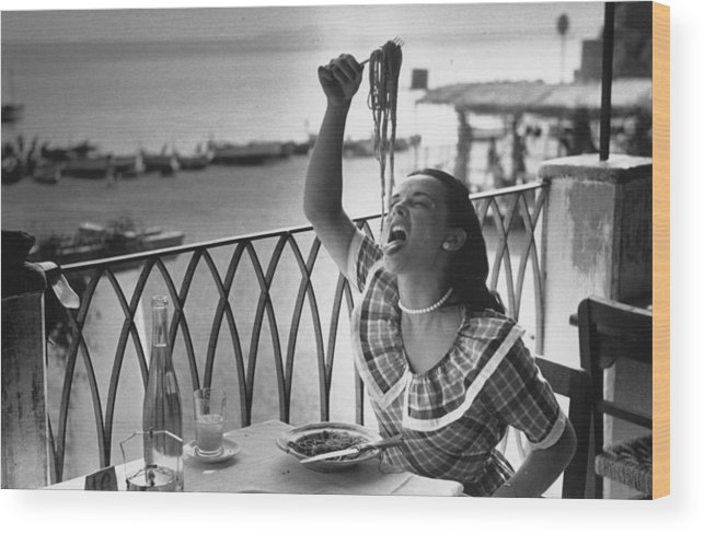 Italian Food Wood Print featuring the photograph Pasta With Gusto by Bert Hardy