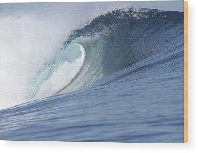Spray Wood Print featuring the photograph Perfect Wave by Reniw-imagery