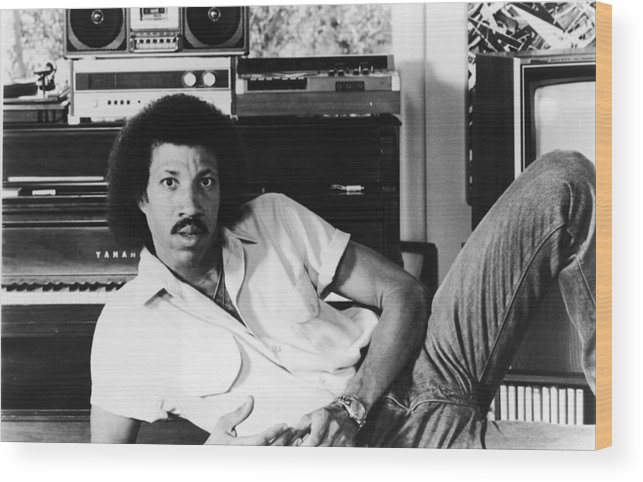 Singer Wood Print featuring the photograph Portrait Of Lionel Richie by Hulton Archive