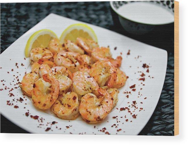 Savory Food Wood Print featuring the photograph Shrimps With Chili by Wojciech Wisniewski