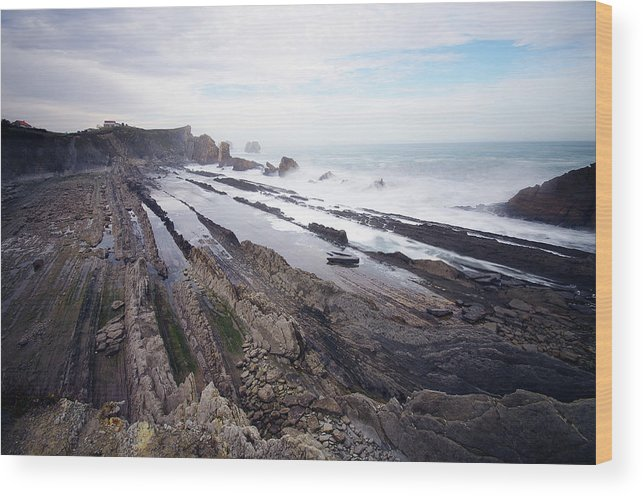 Scenics Wood Print featuring the photograph Taste Of The Sea by David Díez Barrio