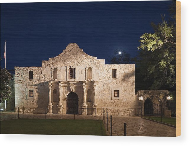 Outdoors Wood Print featuring the photograph The Alamo, San Antonio Texas With Full by Dhughes9