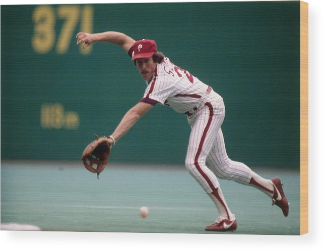 1980-1989 Wood Print featuring the photograph Mike Schmidt by Ronald C. Modra/sports Imagery