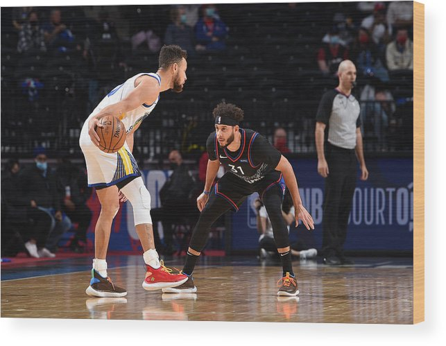 Nba Pro Basketball Wood Print featuring the photograph Stephen Curry and Seth Curry by David Dow