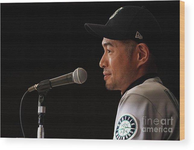 People Wood Print featuring the photograph Ichiro Suzuki by Masterpress