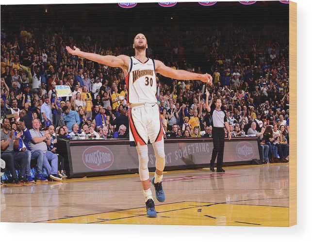 Crowd Wood Print featuring the photograph Stephen Curry by Noah Graham