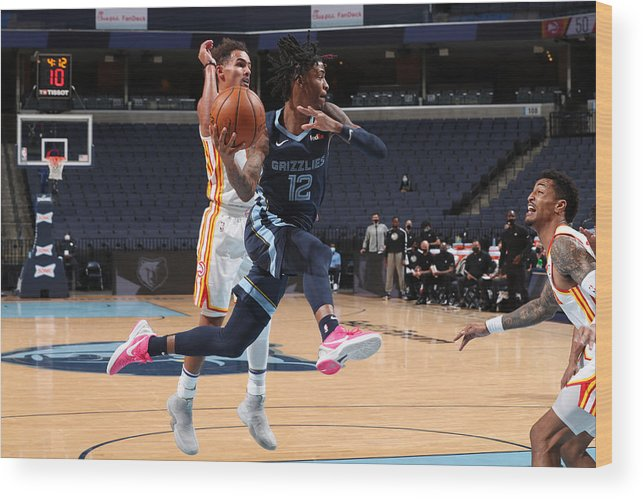 Nba Pro Basketball Wood Print featuring the photograph Atlanta Hawks v Memphis Grizzlies by Joe Murphy