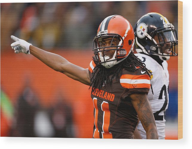 American Football Wood Print featuring the photograph Pittsburgh Steelers v Cleveland Browns by Gregory Shamus