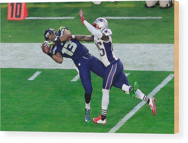 People Wood Print featuring the photograph Super Bowl XLIX - New England Patriots v Seattle Seahawks by Jamie Squire