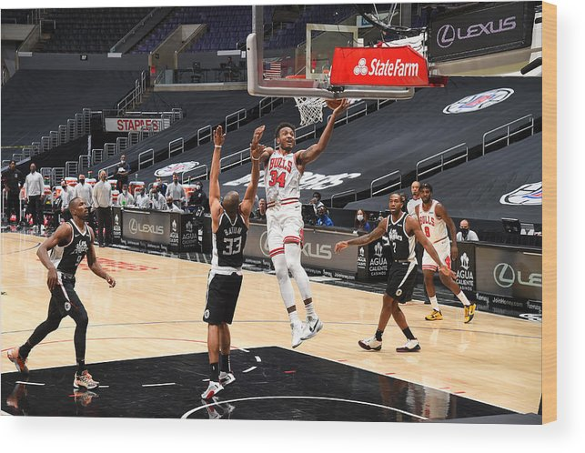 Nba Pro Basketball Wood Print featuring the photograph Chicago Bulls v LA Clippers by Adam Pantozzi