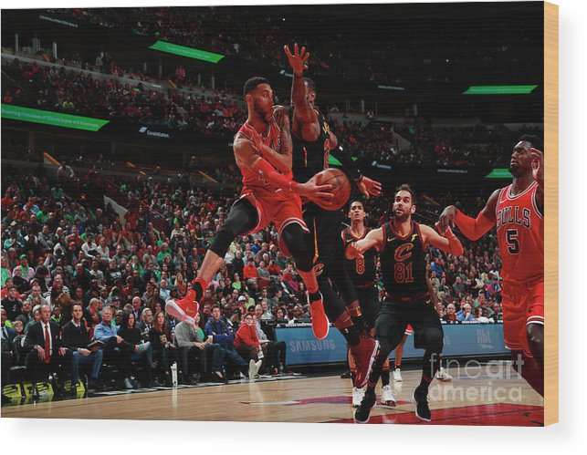 United Center Wood Print featuring the photograph Denzel Valentine by Jeff Haynes