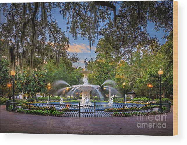 America Wood Print featuring the photograph Forsyth Park Fountain by Inge Johnsson