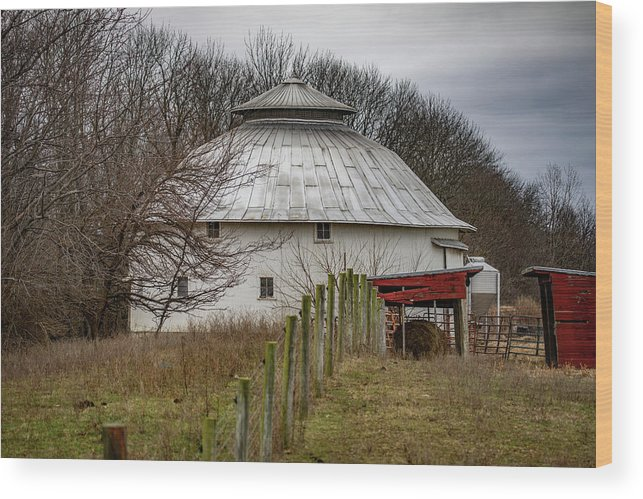 Landscape Wood Print featuring the photograph Gwinnup Round Barn #3 by Scott Smith