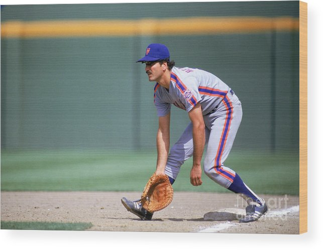 1980-1989 Wood Print featuring the photograph Keith Hernandez by Stephen Dunn