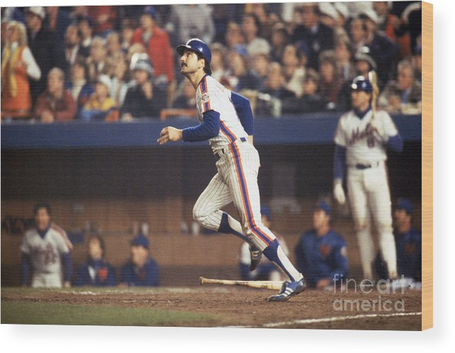 1980-1989 Wood Print featuring the photograph Keith Hernandez by T.g. Higgins