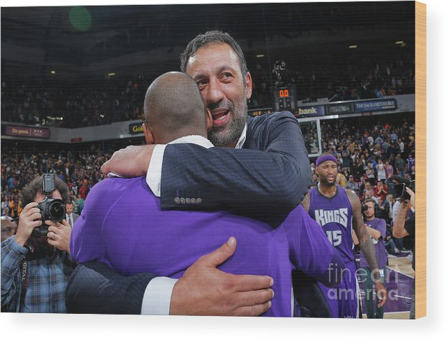 Nba Pro Basketball Wood Print featuring the photograph Kobe Bryant and Vlade Divac by Rocky Widner