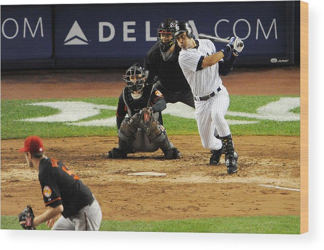 American League Baseball Wood Print featuring the photograph Lou Gehrig and Derek Jeter by New York Daily News