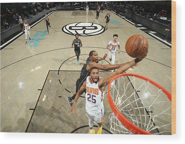 Nba Pro Basketball Wood Print featuring the photograph Phoenix Suns v Brooklyn Nets by Nathaniel S. Butler