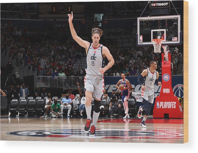 Playoffs Wood Print featuring the photograph Robin Lopez by Stephen Gosling