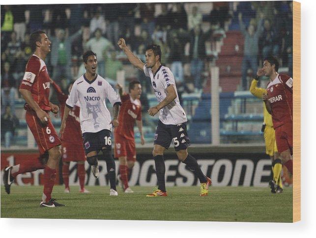 Copa Sudamericana Wood Print featuring the photograph Tigre v Argentinos Juniors - Copa Sudamericana 2012 by LatinContent