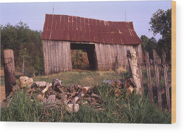 Wood Print featuring the photograph Lloyd Shanks Barn 4 by Curtis J Neeley Jr