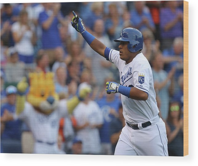 Second Inning Wood Print featuring the photograph Los Angeles Dodgers V Kansas City Royals by Ed Zurga