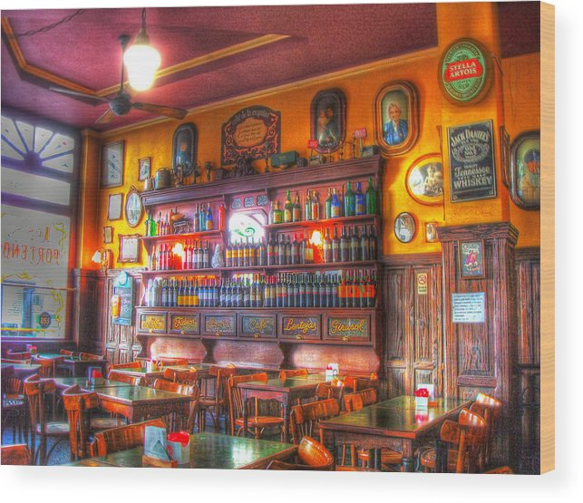 Buenos Aires Wood Print featuring the photograph El Porteno by Francisco Colon