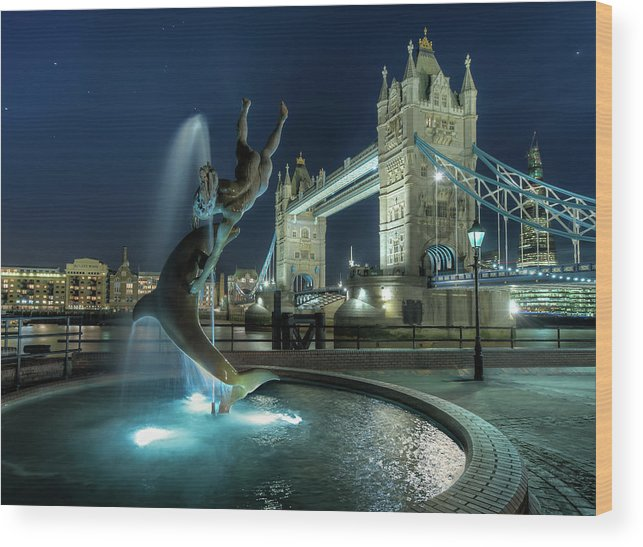Horizontal Wood Print featuring the photograph Tower Bridge In London by Vulture Labs