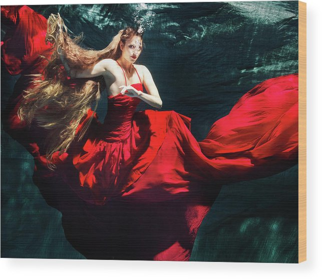 Ballet Dancer Wood Print featuring the photograph Female Dancer Performing Under Water by Henrik Sorensen