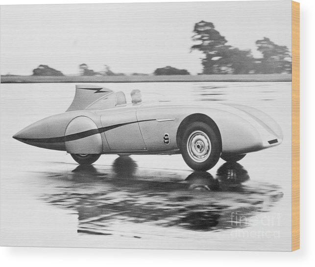 People Wood Print featuring the photograph Healey Racing At Bonneville Salt Flats by Bettmann