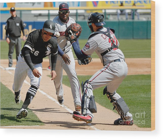 Second Inning Wood Print featuring the photograph Minnesota Twins V Chicago White Sox by Jon Durr